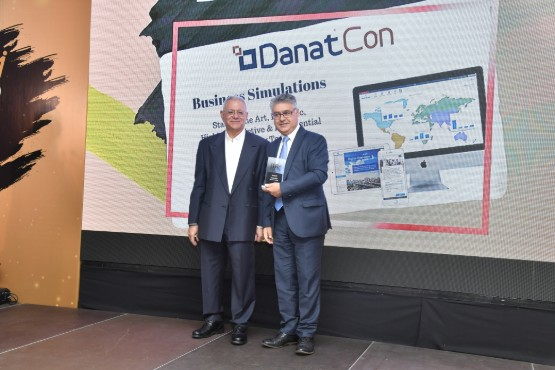 Barry_Kyriacou_Receiving_HR_Award